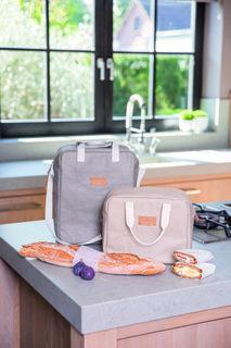 Kühltasche Lunchtime von räder. Kühltaschen sind uncool? Das war mal! Mit die…  – BBQ-Party