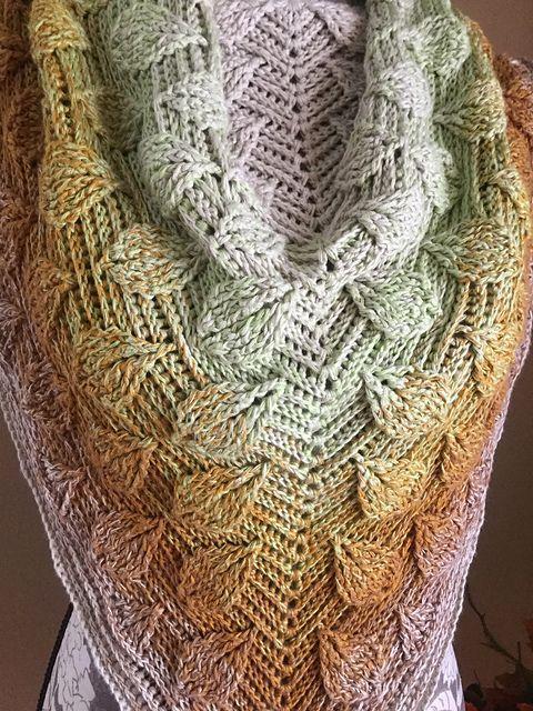 Embossed Leaves Reversible Shawl | Costuras?? | Pinterest | Costura
