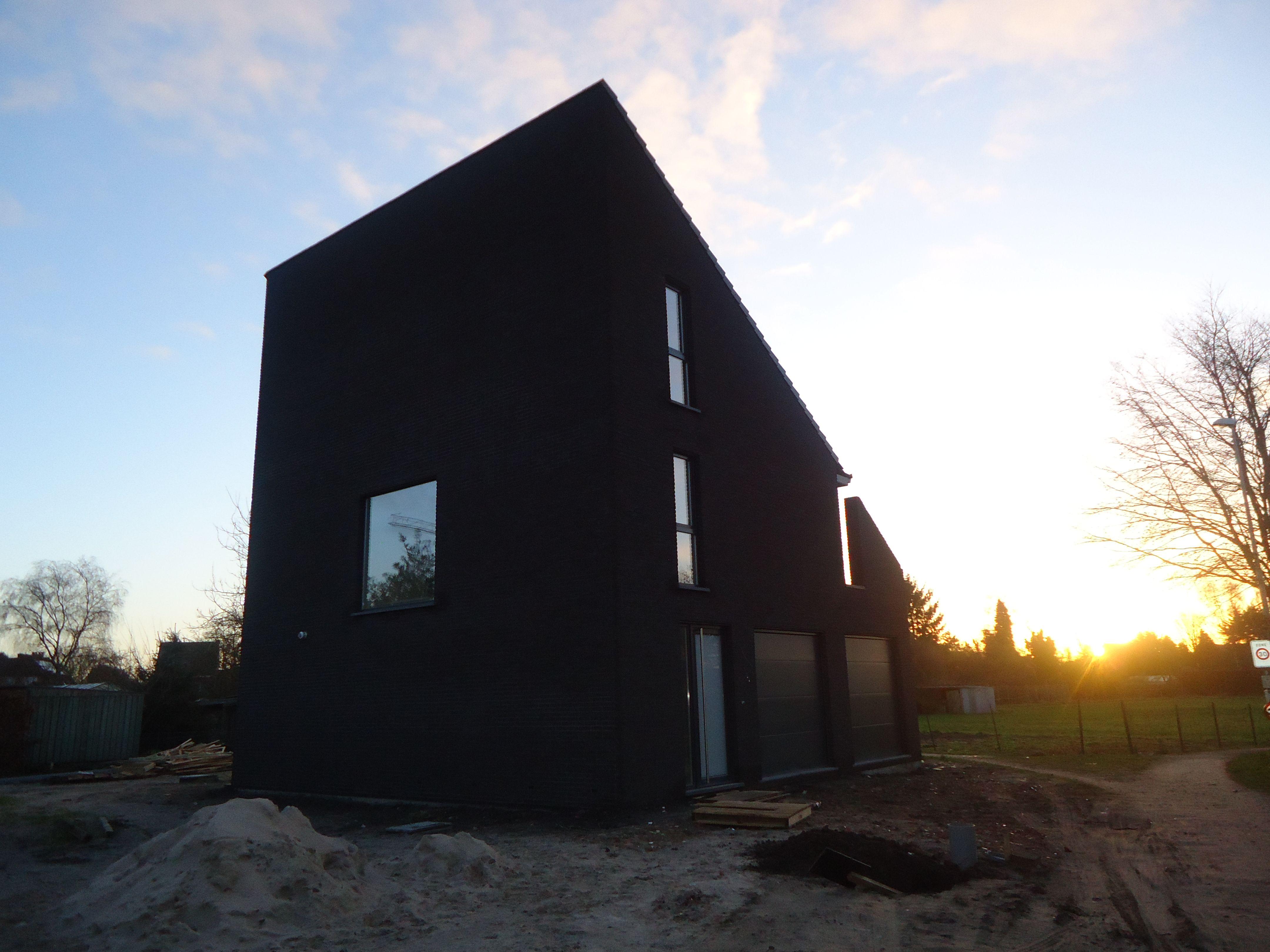 Een moderne vrijstaande woning met lessenaarsdak for Moderne vrijstaande woning