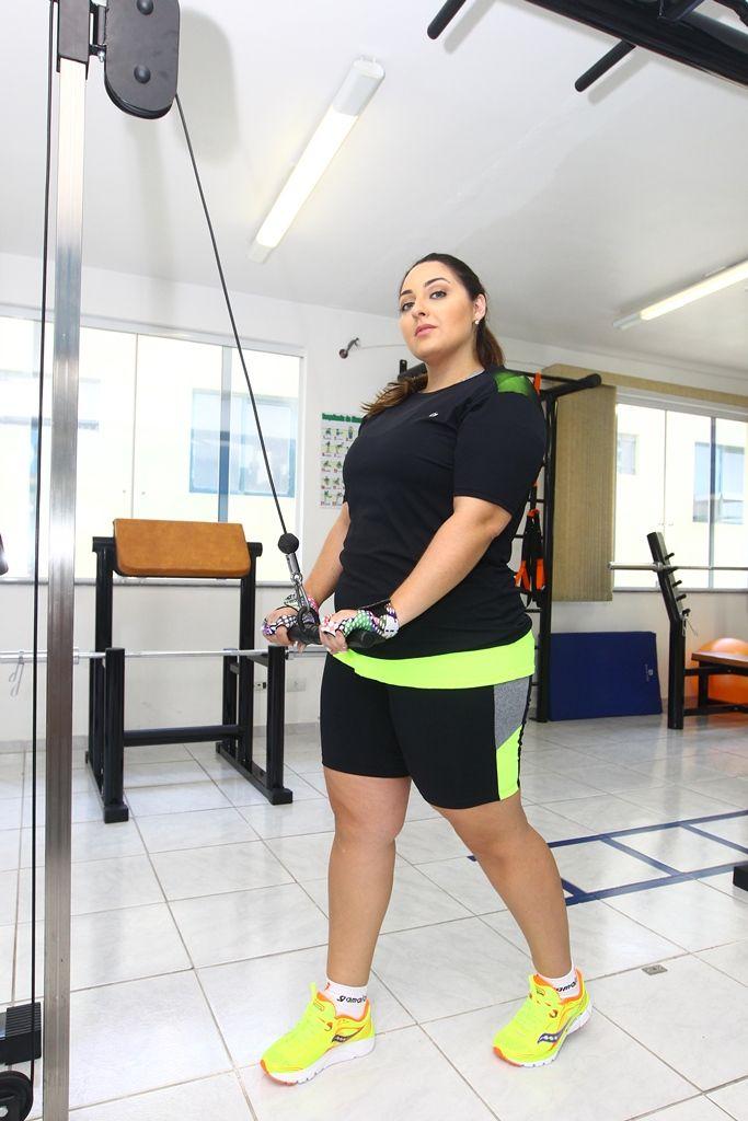 6e266d33ef54 Roupas fitness plus size: blogueira Dé Fernandes lança sua linha de muito  bom… -