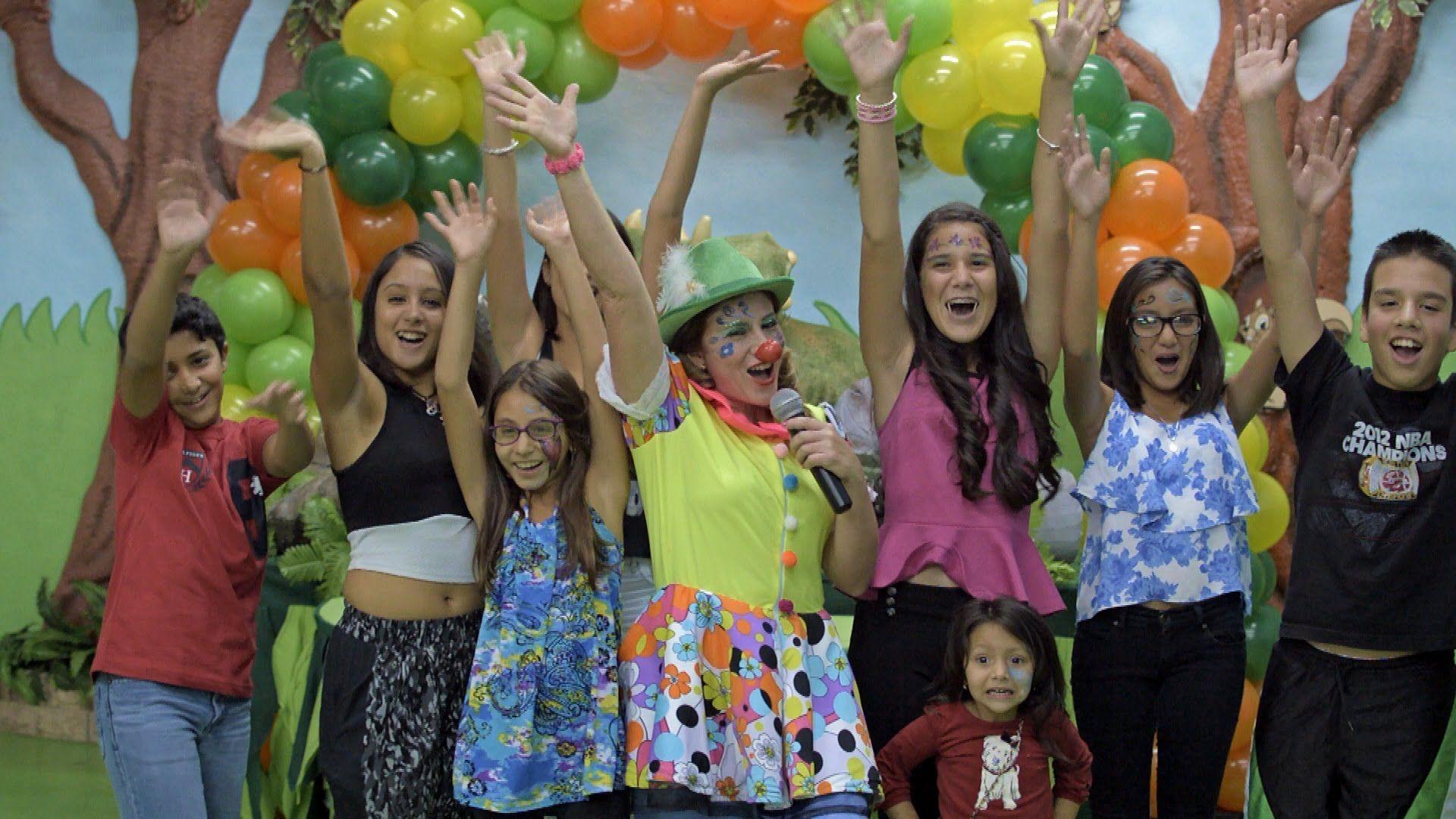 A TOTAL PARTY RENTAL (305)8199614 Salones de fiestas