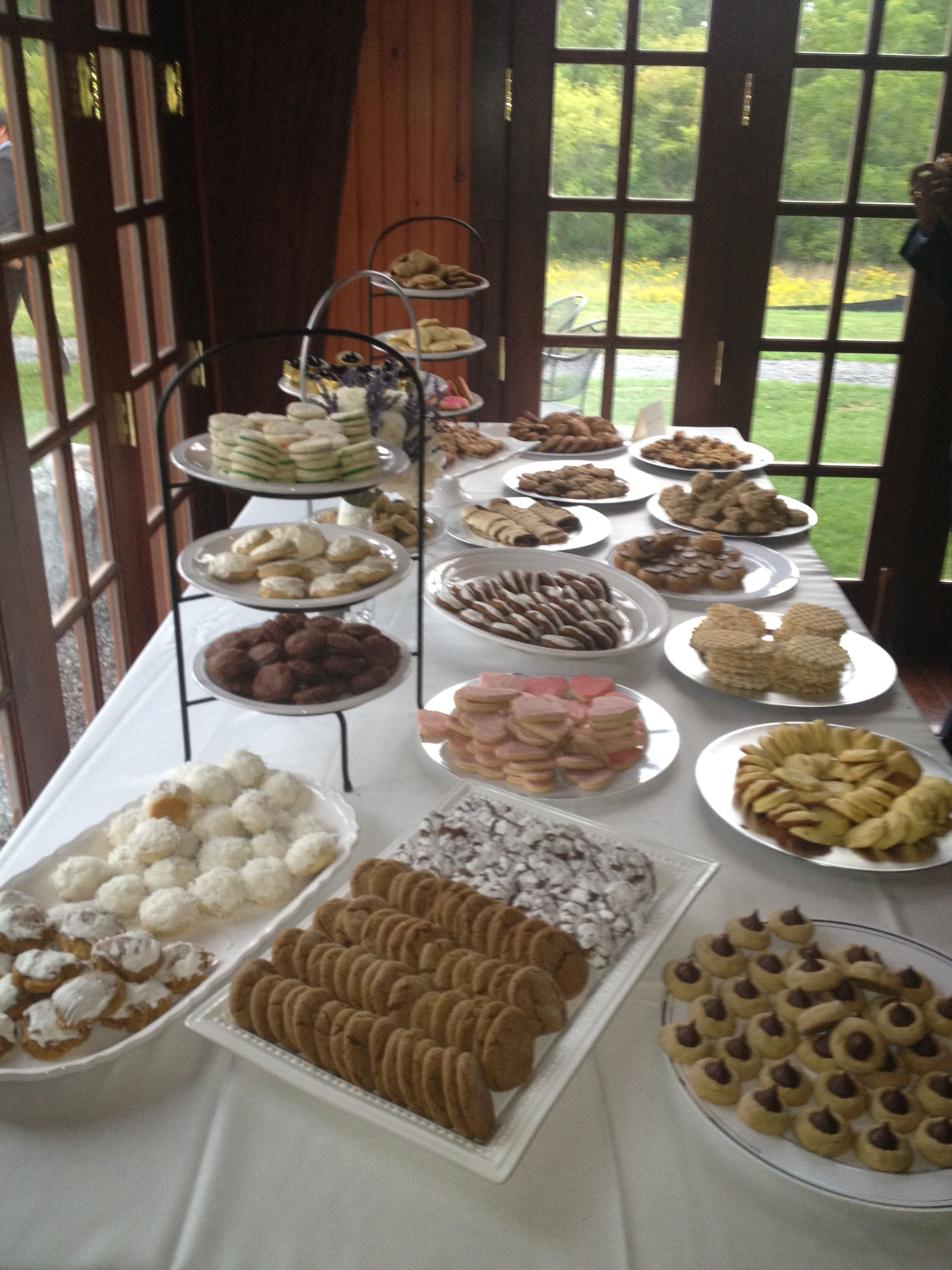 Pittsburgh cookie table tradition at Ian and Liz\'s wedding ...