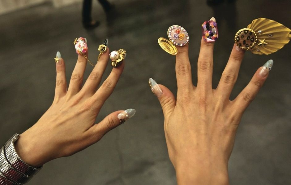 Please Dont Ever Try This Ridiculous Nail Art Nsmbl What