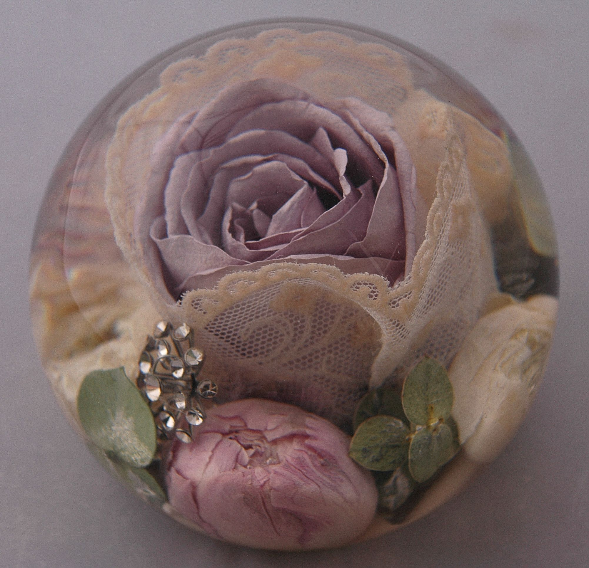 Wedding Flowers In Resin: Wedding Flower Paperweights The Perfect Way To Keep For