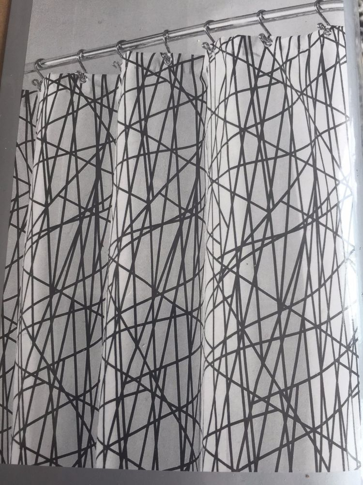 Casa InterDesign long abstract shower curtain black & white 84\
