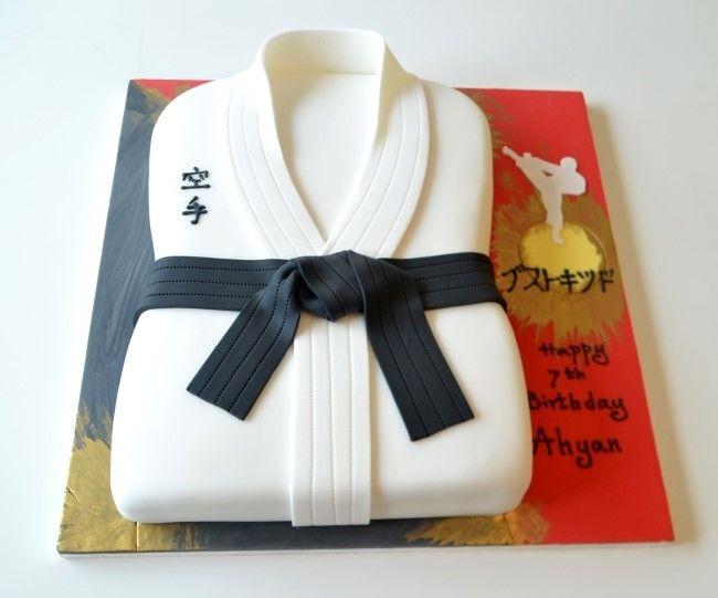 Karate Kid Cake Naver Blog Bolos decorados Pinterest Cake
