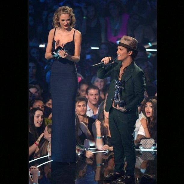 No wonder Bruno Mars got locked out of heaven - he couldn't reach the doorknob  #Padgram