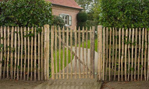 Portails et portillons de jardin le bois de ch taigner for Portillon bois exterieur