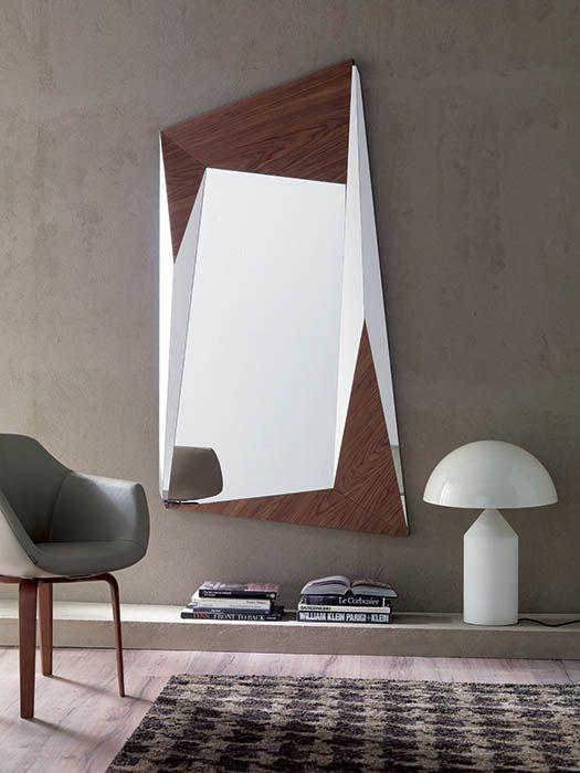 Specchiera design by Ozzio