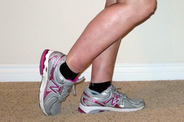 11+ A 1 Minute Stretch for Your Shins