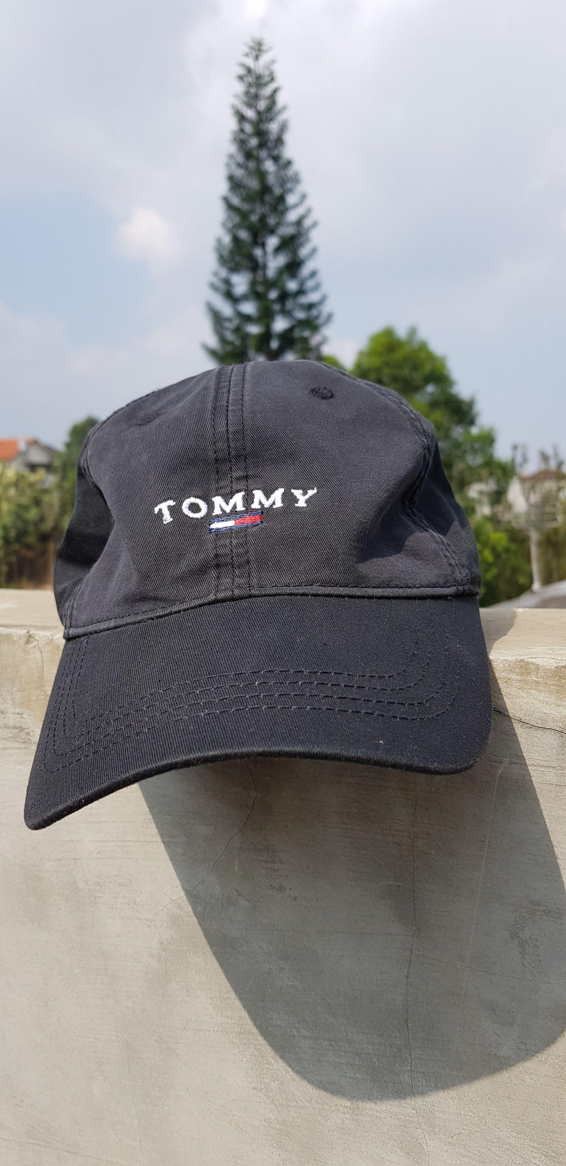863f8c41743 Vintage 90s TOMMY HILFIGER Strap Adjustable Size Cap Hat   Black Dad Hat  TOMMY Spell Out Flag