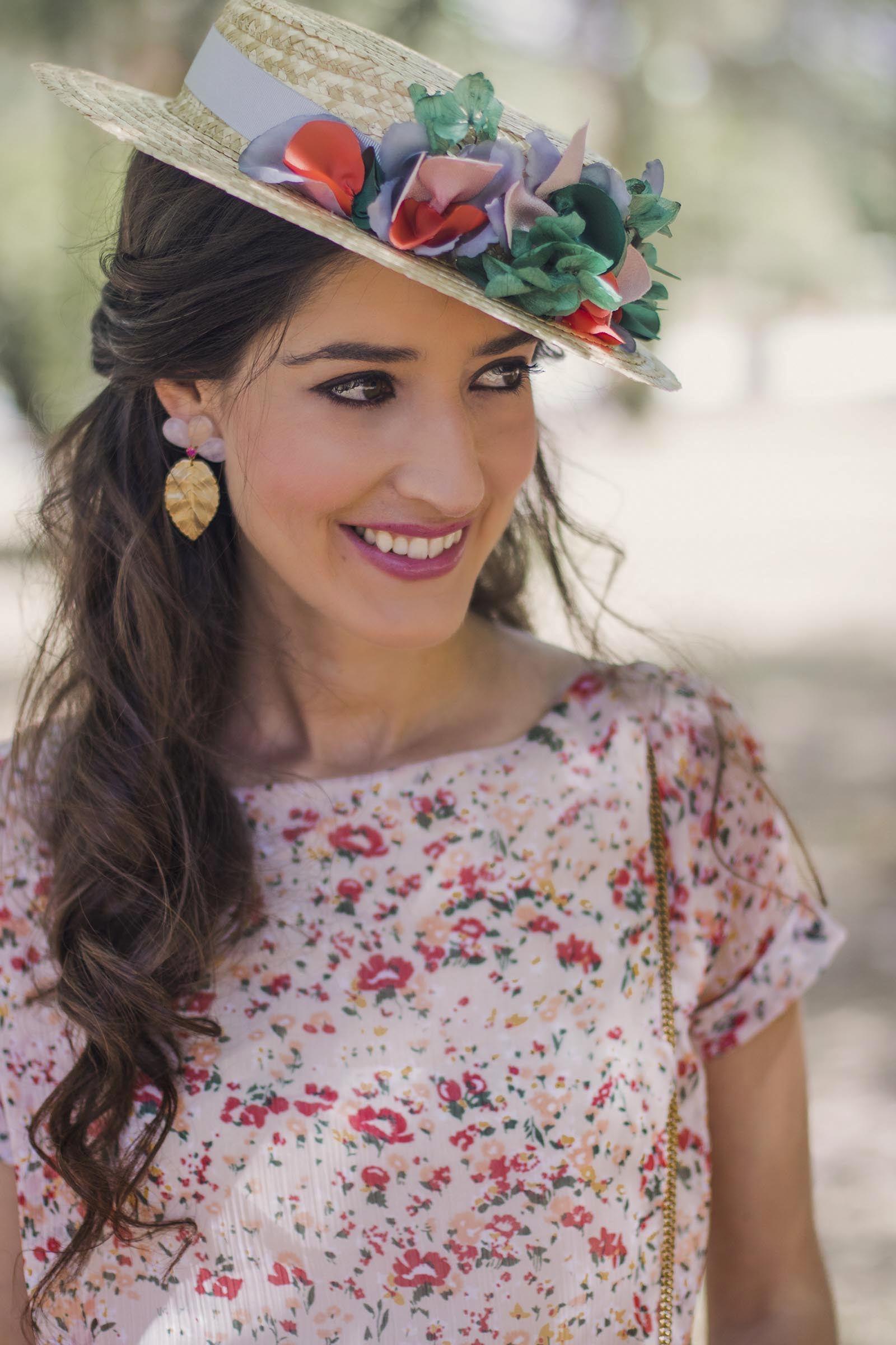 Invitada perfecta boda look vestido largo flores canotier  bb505123a78