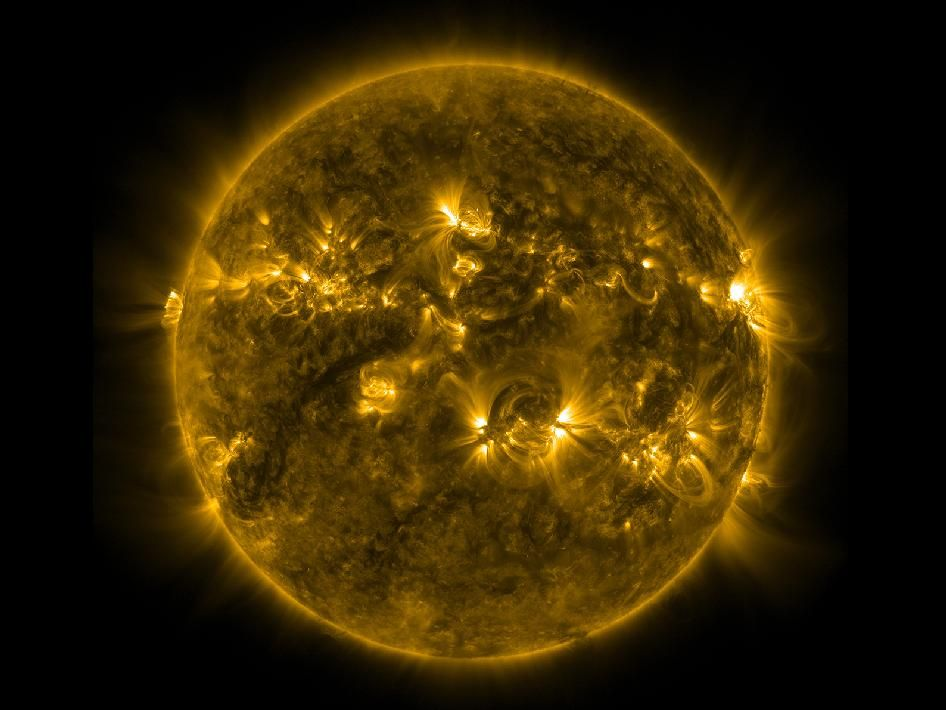Sun S Quiet Corona With Images Image Of The Day Nasa Images Nasa Sun