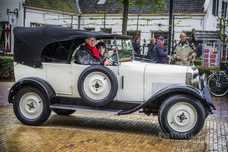 Corre La Licorne W14V4 torpedo cabrio 1926