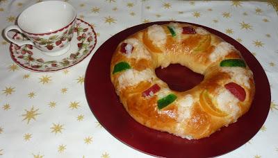 Con Dos Cazuelas Roscón De Reyes Receta De Ibán Yarza Bizcocho Recetas Roscón De Reyes