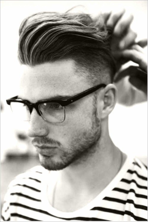10 Pompadour hairstyle men #hairstyle #pompadour #Menshairstyles #mensmediumhairstyles in 2020 ...