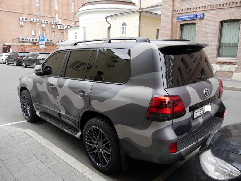 Toyota Land Cruiser army khaki【2020】