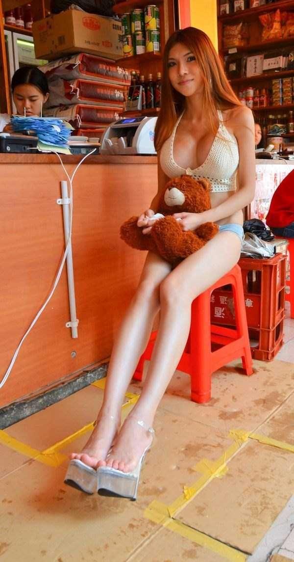 e3ec398d5f chinese-girl-in-hot-pants (14)   Hot mini shorts   Sexy, Hot pants ...