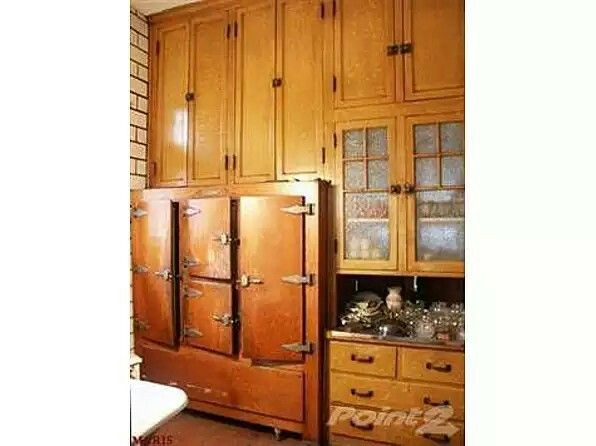 Pin By Martha Zipp On North Loj Kitchen Ideas Old House Dreams Beveled Glass Doors Built In Refrigerator