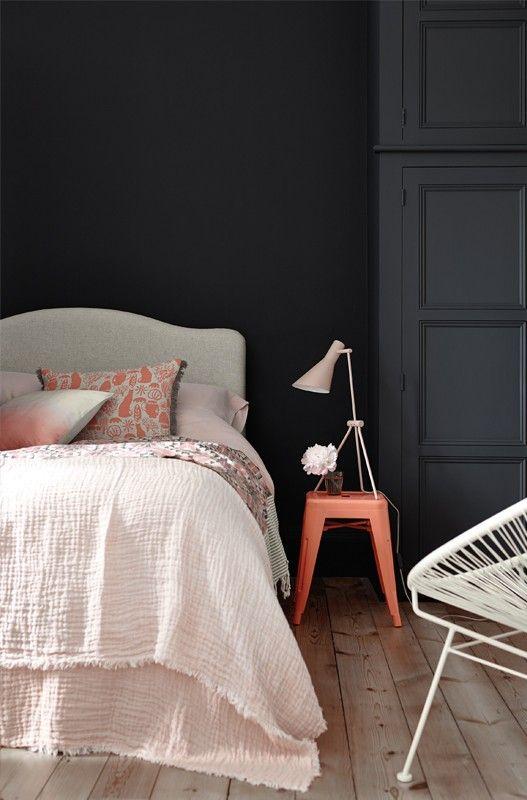 Elegant Basaltfarbene Töne Von Little Greene Im Schlafzimmer #britisch #englisch  #schwarz #wandfarbe
