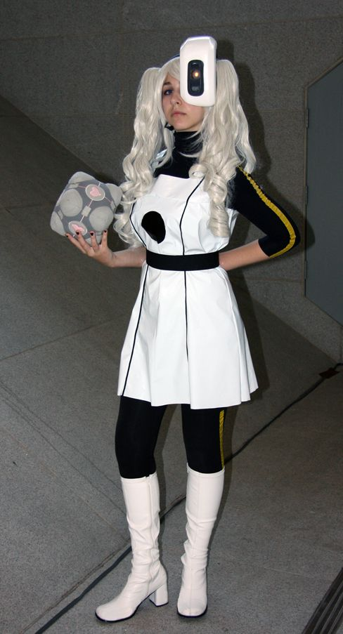 Good GLaDOS Costume   Well I Know What Iu0027m Doing For Halloween Next Year
