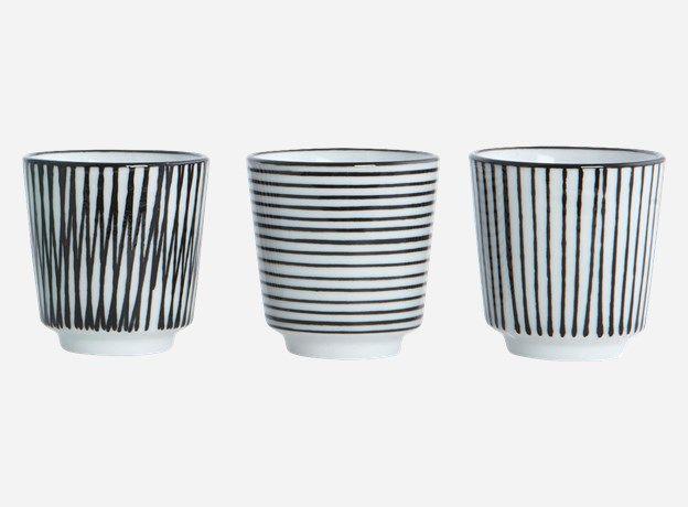 Ja0802 - Eierbecher, Pen stripe By Hand, assortiert 3 Designs, schwarz, dia.: 4,8 cm, h.: 5 cm