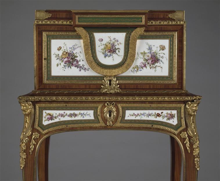 Le coffret à bijoux de Marie-Antoinette dauphine, château de Versailles,  par Martin Carlin (1770)   Coffret bijoux, Bijoux de mariée, Marie  antoinette