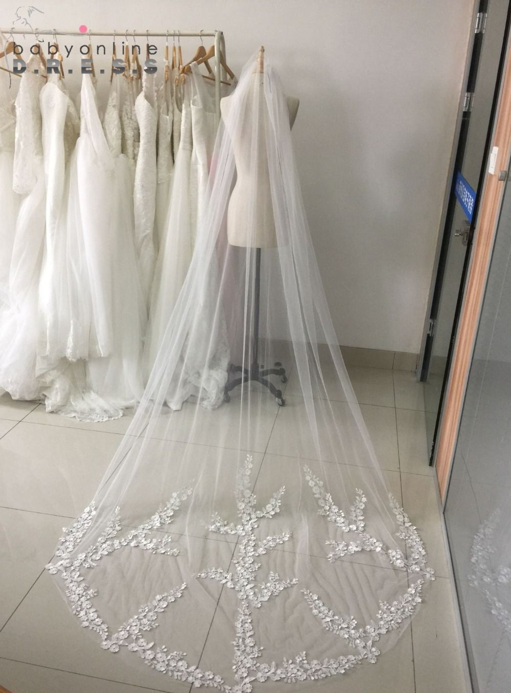 Real Picture  Meters One Tiered Lace Long Elegant Wedding Bridal Veil With Comb Veu De Noiva Edge Wedding Veils
