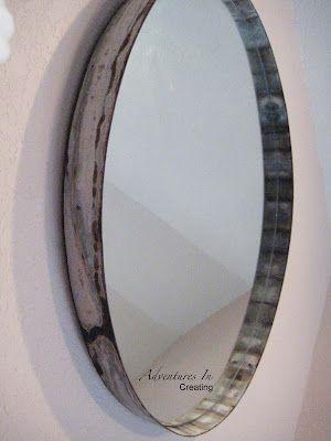 Miroir fabriqué d'un vieux baril