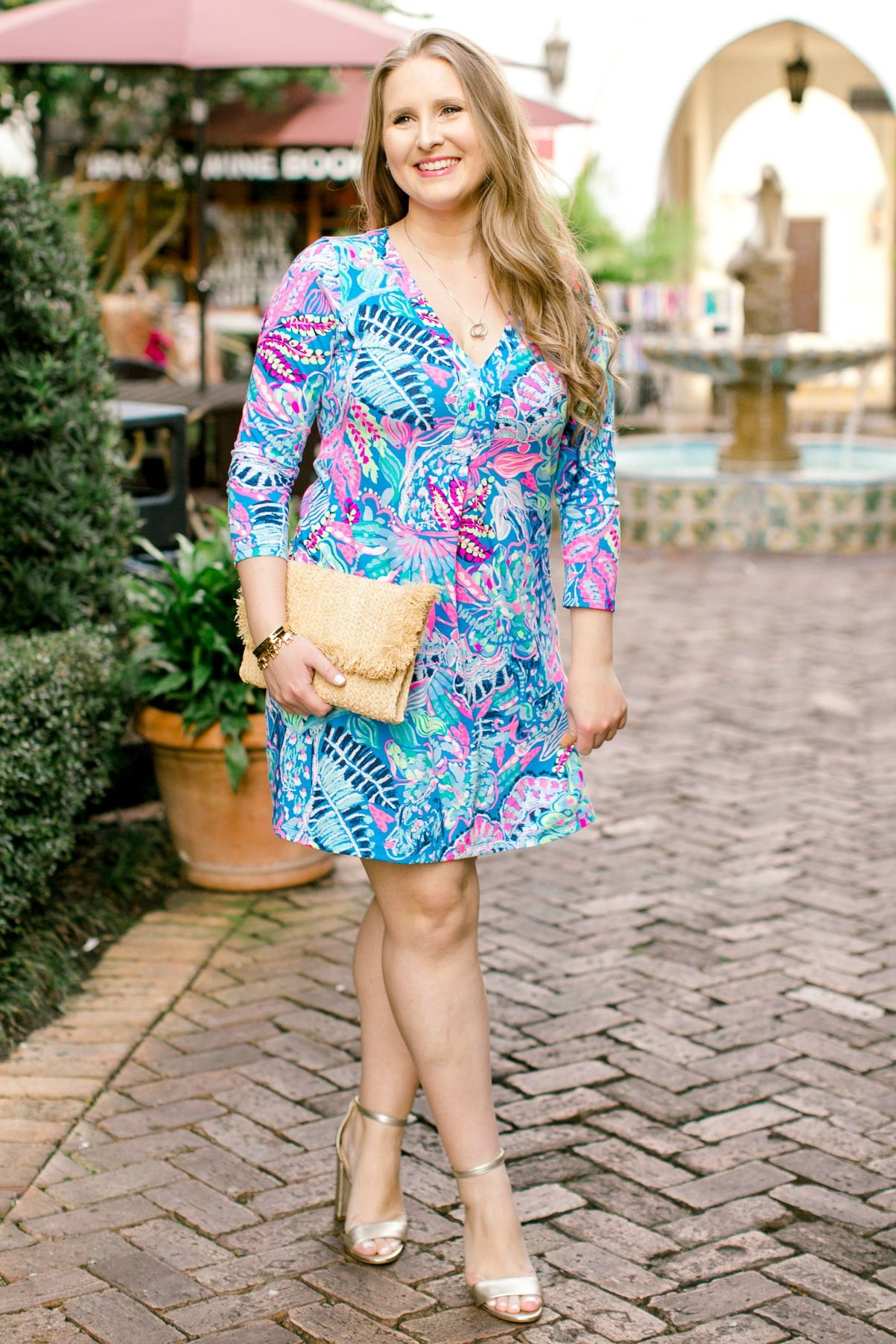 83f0cc89e2f8 LOVE the Lilly Pulitzer Amina Dress! Such a great vacation outfit idea for  summer!