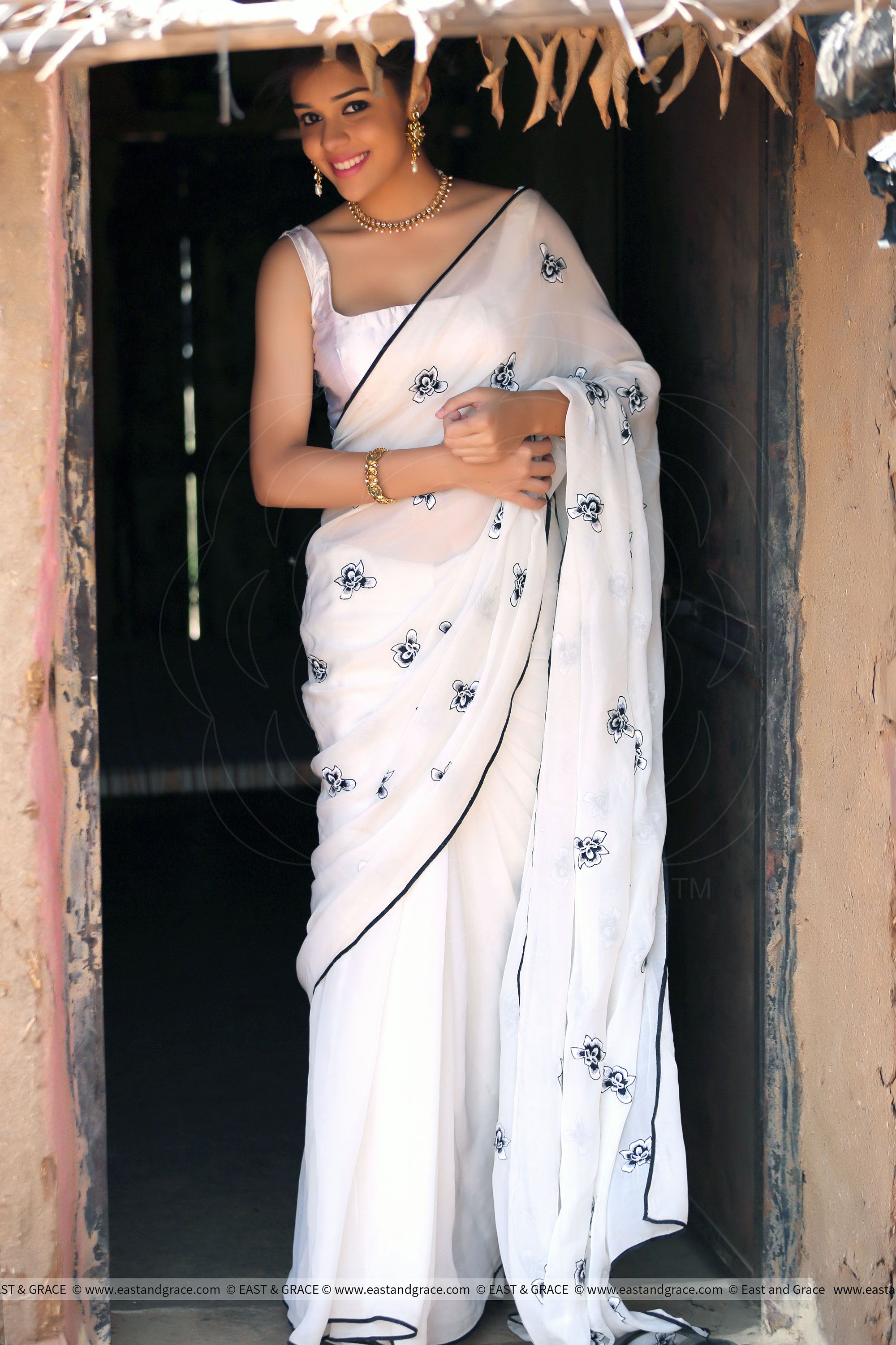 4db37986622dec Iris Pure Chiffon Pure White Saree, White, Black, Elegant, Beautiful ...