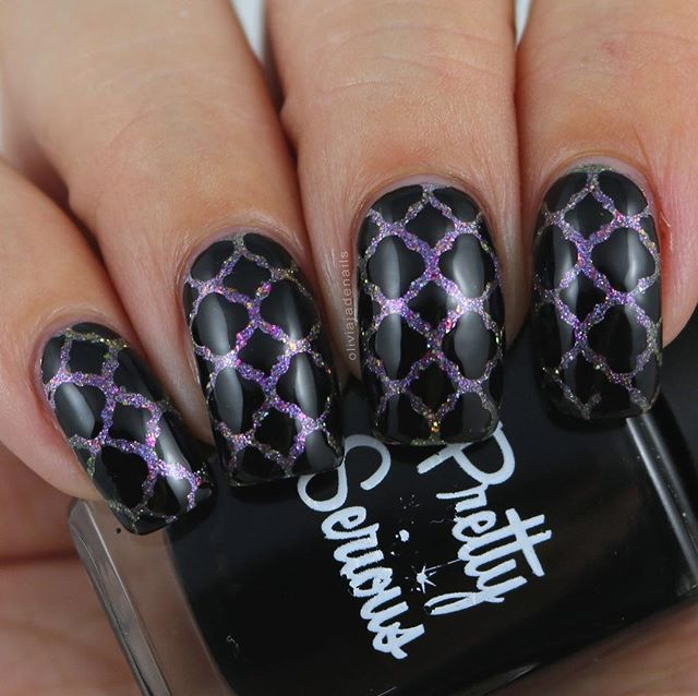 I'm actually really surprised that I haven't posted this mani yet. In fact, I actually thought I had. Apparently not (well I didn't see it if I did 😂). For this mani I used @femme_fatale_cosmetics Hexweave and @pscosmetics Absence. Vinyls are from @xromapolishandvinyls. #notd #nails #nailpolish #aussienails #aussieindie #indiepolish #femmefatalecosmetics #prettyseriouscosmetics #xromapolishandvinyls