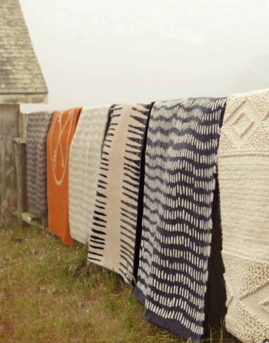 Okay now I'm really homesick. Horse Blankets, just the way we dry them at home. remain simple blog.