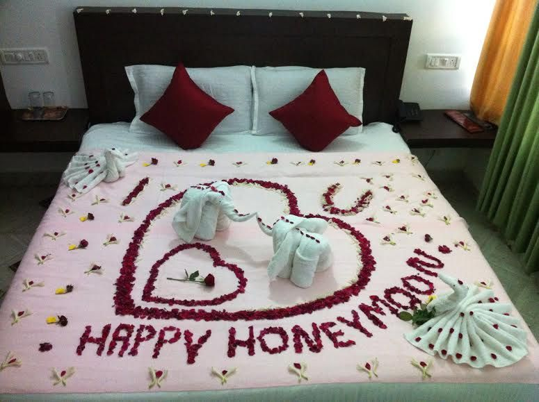 Good Honeymoon Special Flower Bed Decoration In I CLoud Munnar
