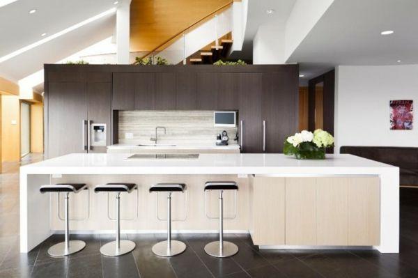 weiße küchenrückwand und braune küchenschränke - 41 interessante