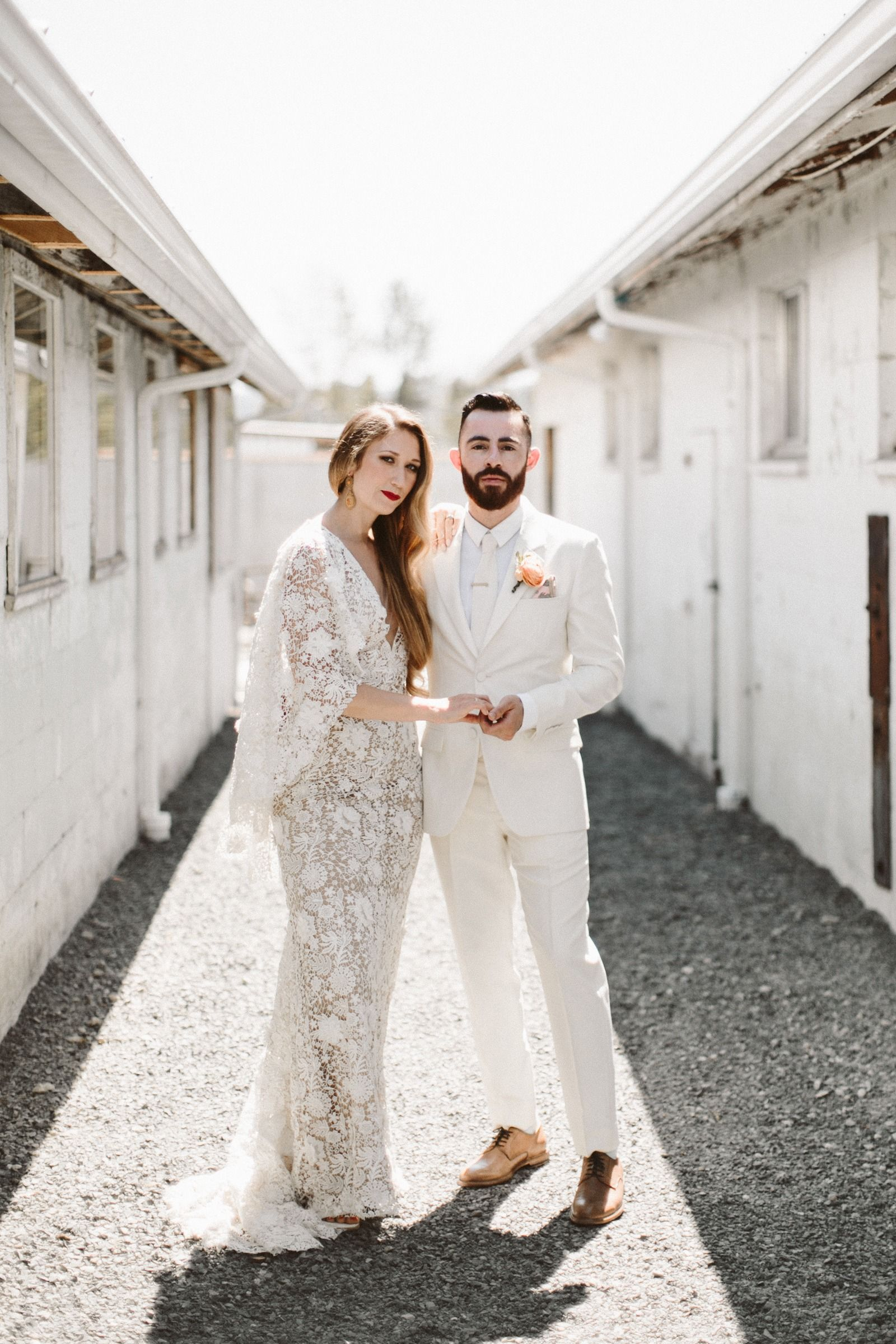 Mandy Nate Seattle Wa Allison Harp Dairyland Wedding Photographer White Wedding Suit Wedding Suits Groom Sarah Seven Wedding Dresses