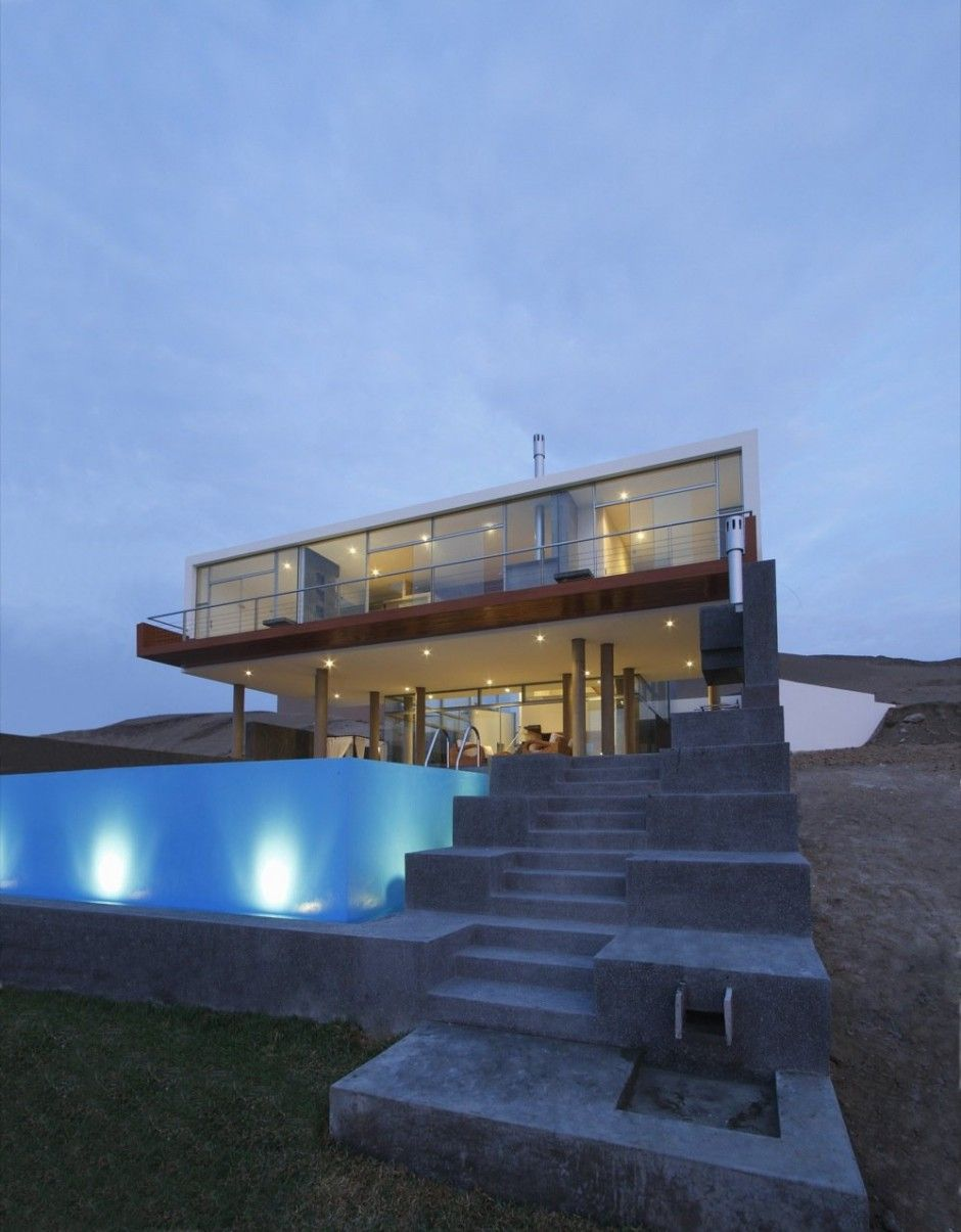 Lima-based practice Longhi Architects has completed the Casa Q Project in  The square-foot contemporary beach house is located on Misterio beach, ...