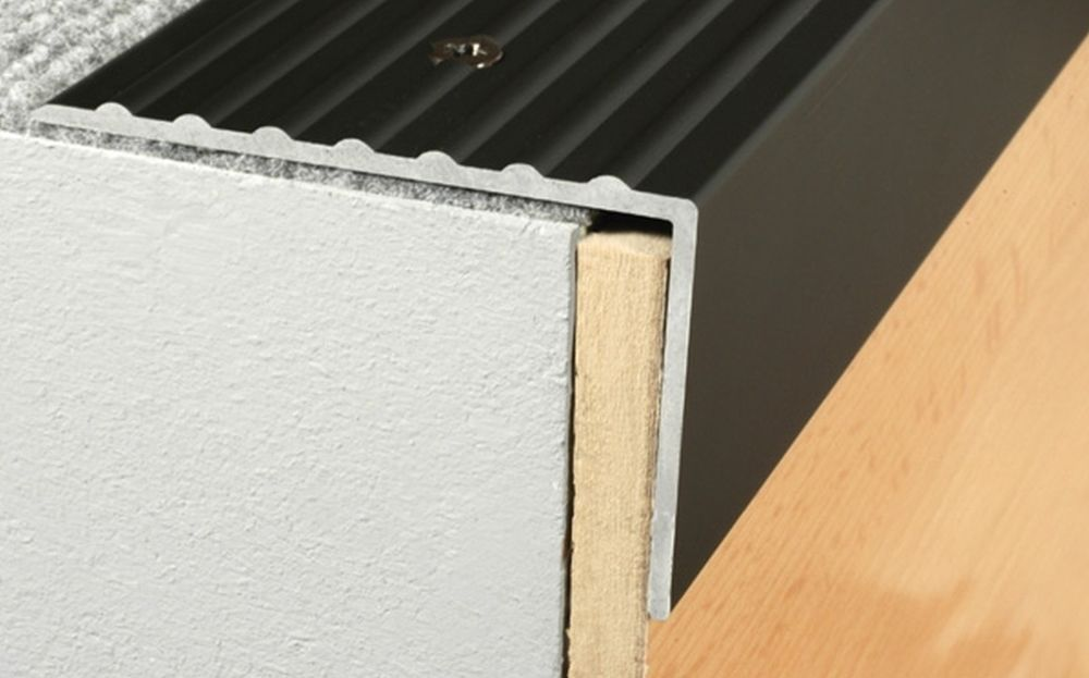 Elegant CHAMPAGNE COLOUR Aluminium Stair Nosing Edge Trim Step Nose Edging Nosings  For Carpet,Wood.