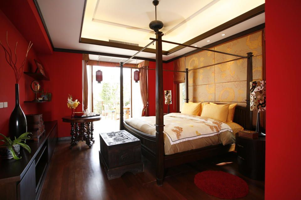 Dark Furniture Pieces And Asian Influences To Set Off Red Walls Asian Style Bedrooms Asian Bedroom Asian Bedroom Decor