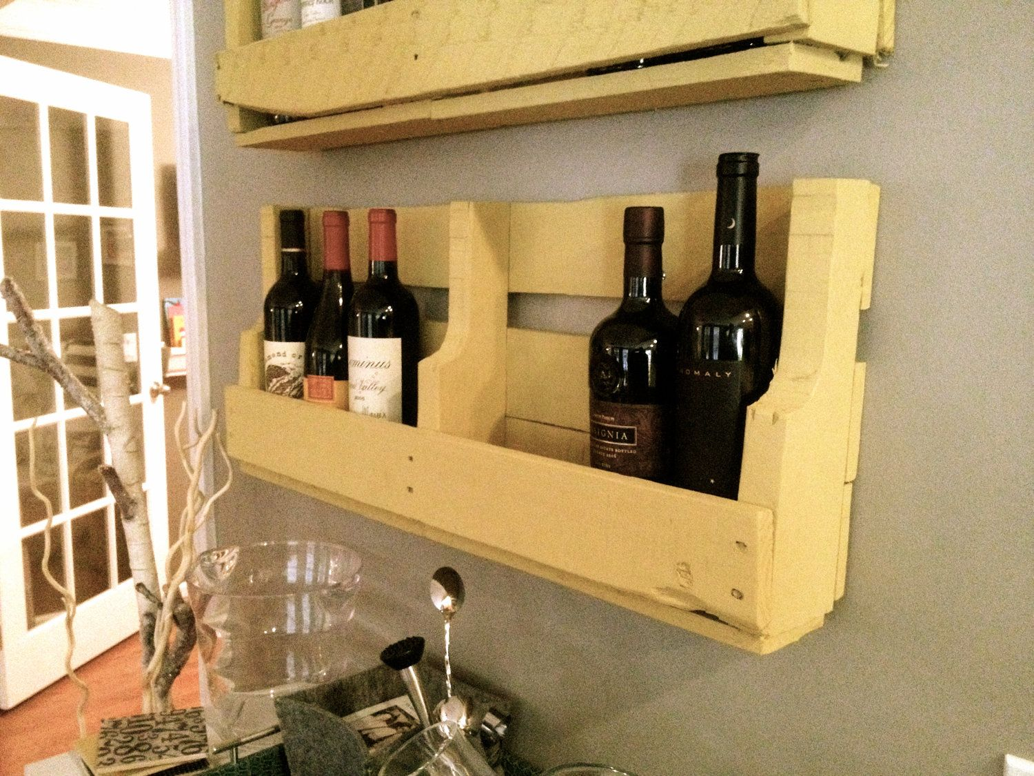 Can also make a cool book shelf for a kids room | Pallet wine racks ...