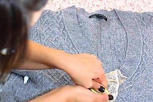 Photo of Vecchi vestiti, non buttarli via: 12 modi geniali per riutilizzarli