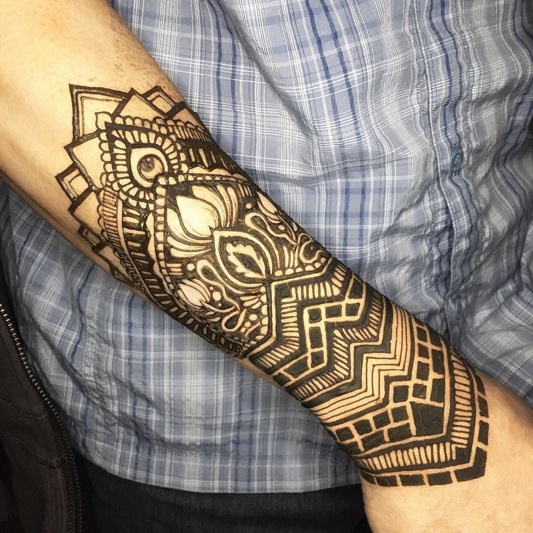 Menna Trend Sees Men Wearing Intricate Henna Tattoos: Short For