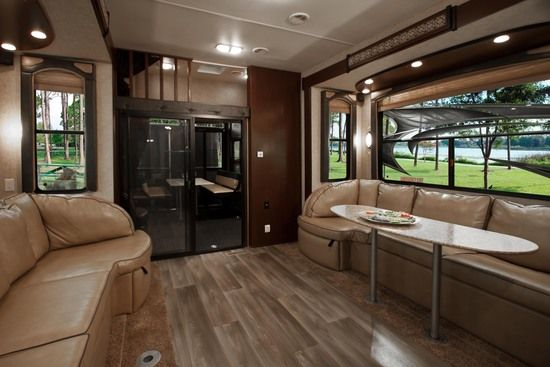 Great living room in this 5th wheel - Front living room 5th wheel toy hauler ...