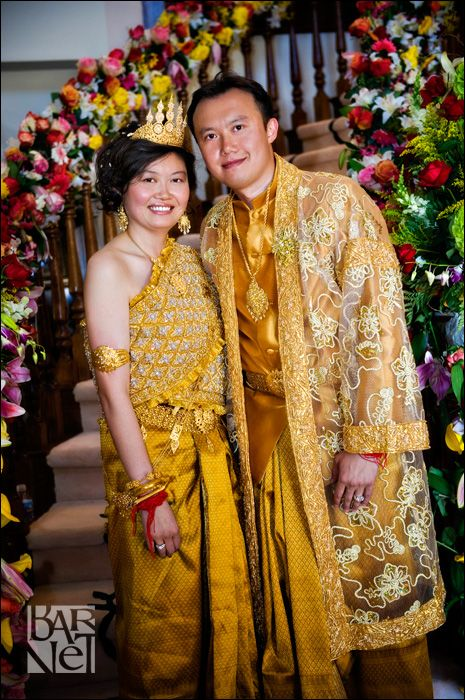 Annie And Thomas A Beautiful Cambodian Wedding Cambodian Wedding Traditional Outfits Attire Women