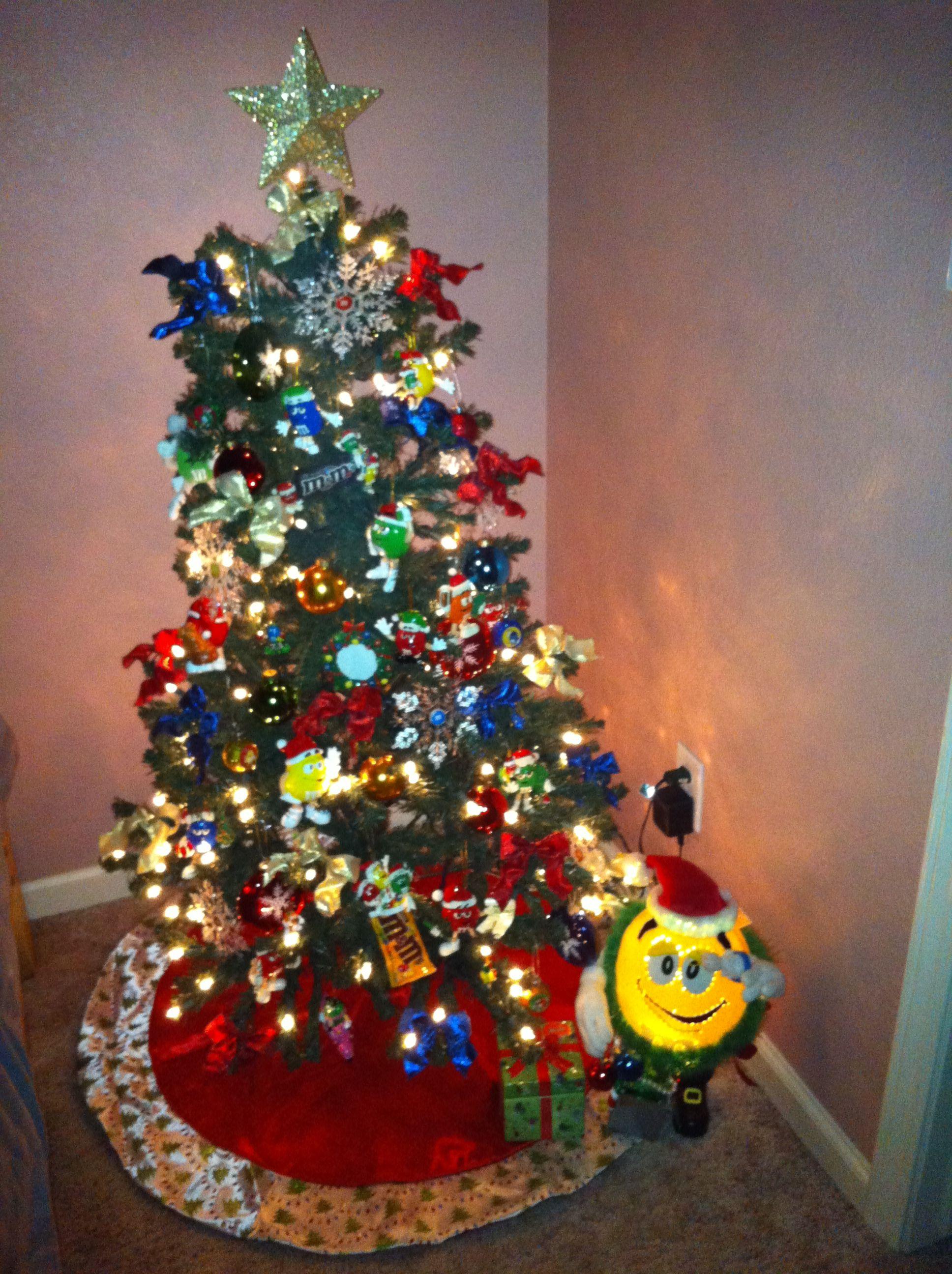 m&m christmas tree