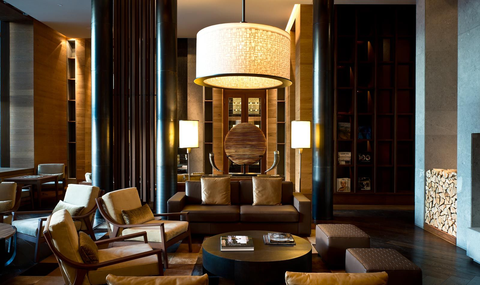 Wine And Cigar Library - Lounge Luxury Swiss Hotel