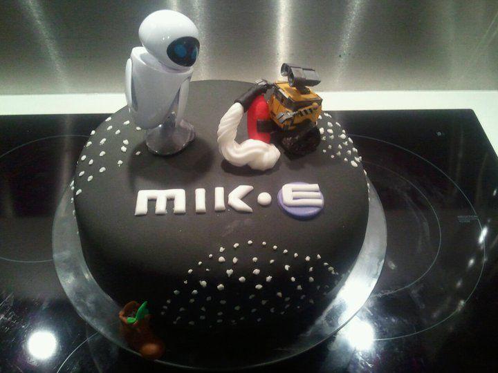 Wall E Fondant Birthday Cake