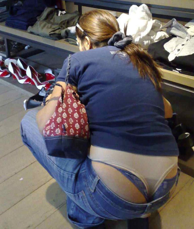 amateur-exposed-thong