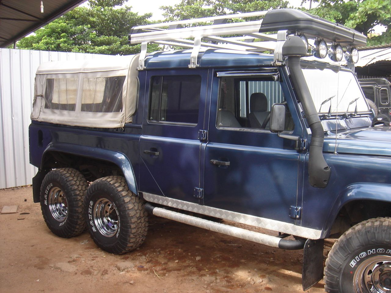 Pin By Chathura Yasantha On Modified Vehicle In Sri Lanka Land Rover Defender Land Rover Land Rover Overland
