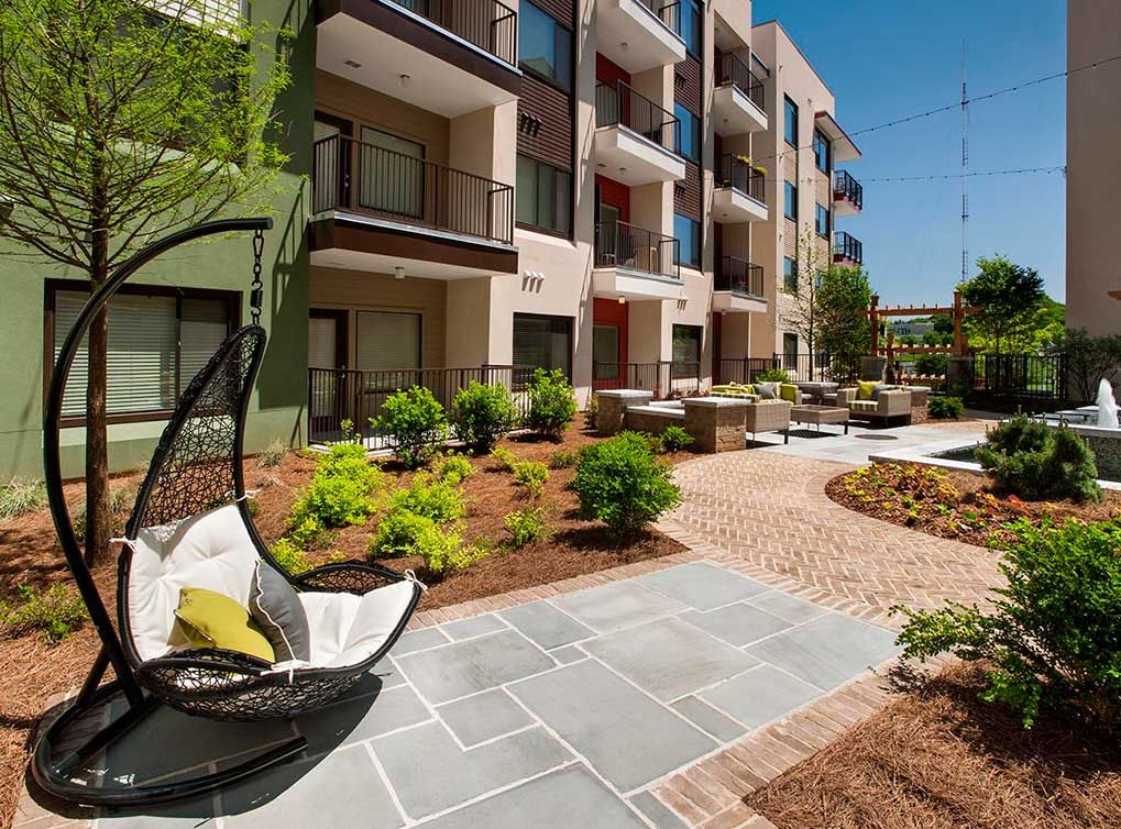 Relaxing Courtyard At AMLI Ponce Park, Brand New Apartments In Historic Old  Fourth Ward